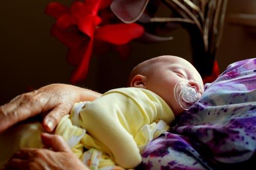 哺乳期堵奶怎么办?有哪些方法疏通?