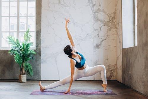 腹直肌训练方法是怎样?如何进行腹直肌恢复?