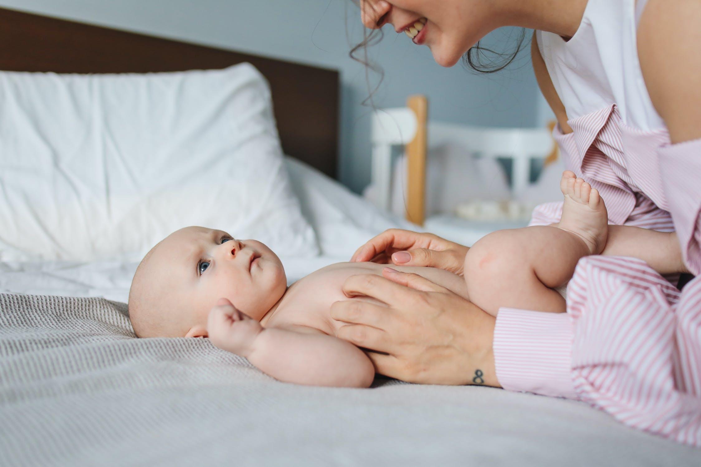 育婴师这个行业怎么样?有发展前景吗?